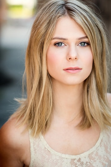 Amy Raffe headshot