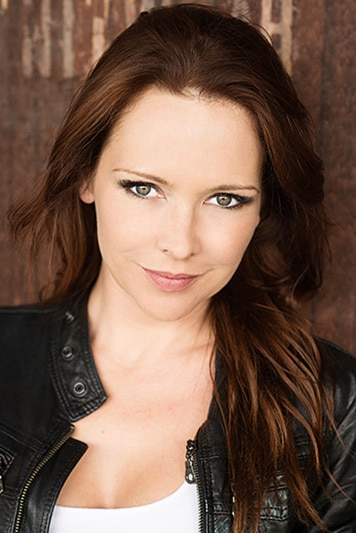 Actor headshot Carla Bonner